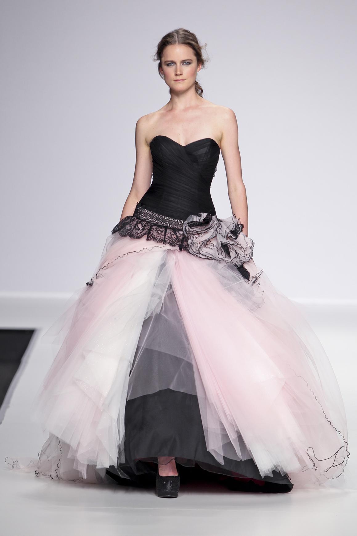 Un abito da sposa insolito? Punta sul nero