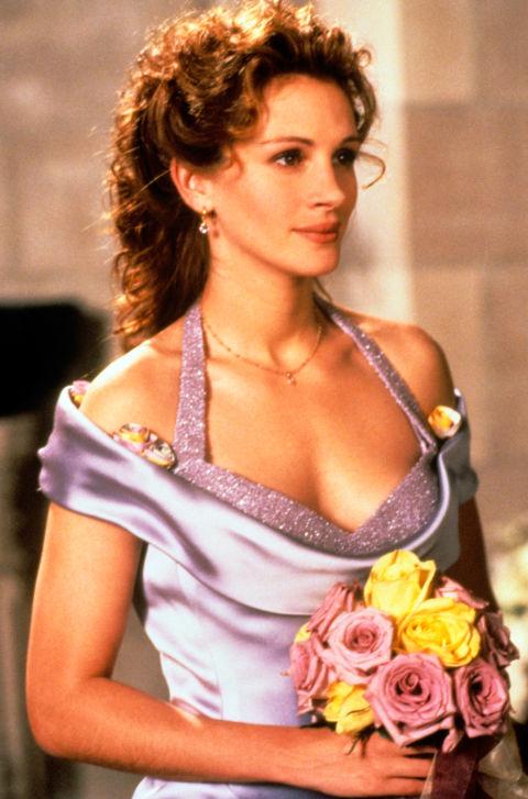 Avrà anche tentato di portarsivia lo sposo sino all'ultimo -brutta mossa Julia, davvero brutta-ma l'abito lilla da damigella le stava davvero una favola.