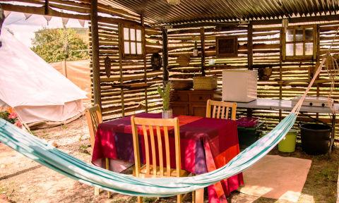 Glamping 10 campeggi di lusso in italia e europa for Cottage molto piccoli