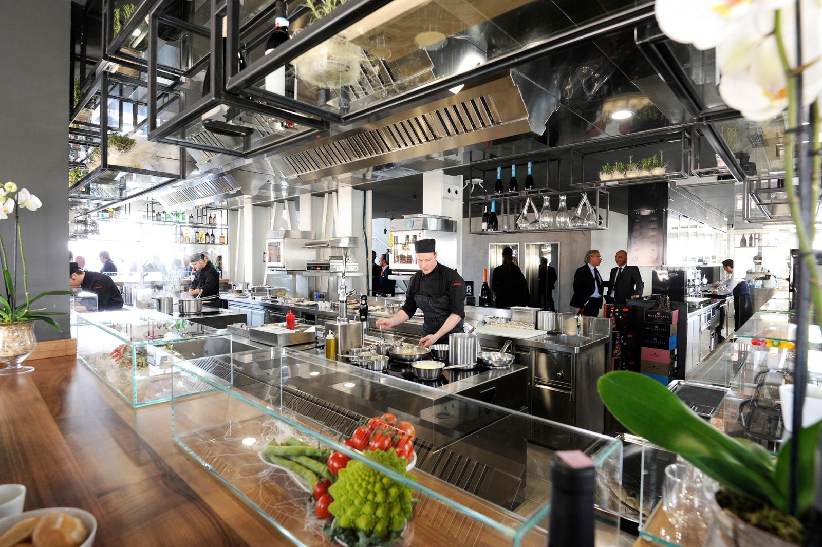 Cucina americana milano simple masterchef il della nona puntata la cucina americana elimina - Cucina americana milano ...