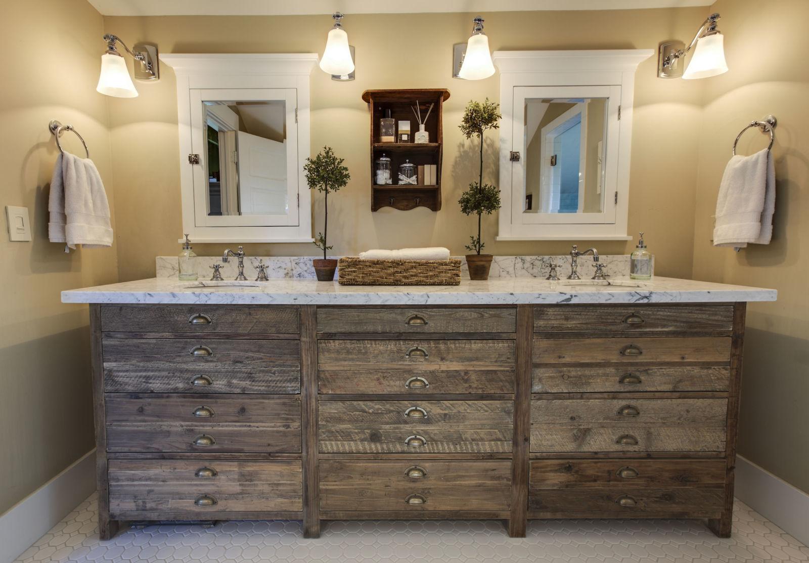 11 modi astuti per organizzare un bagno a prova di beauty routine