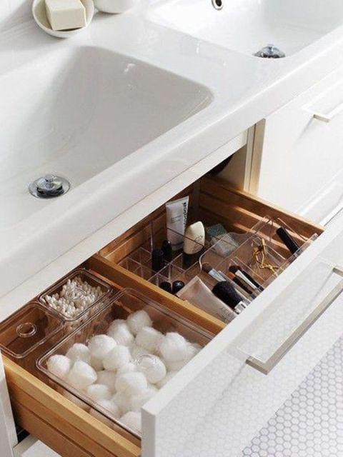 11 modi astuti per organizzare un bagno a prova di beauty - Modi per andare in bagno ...