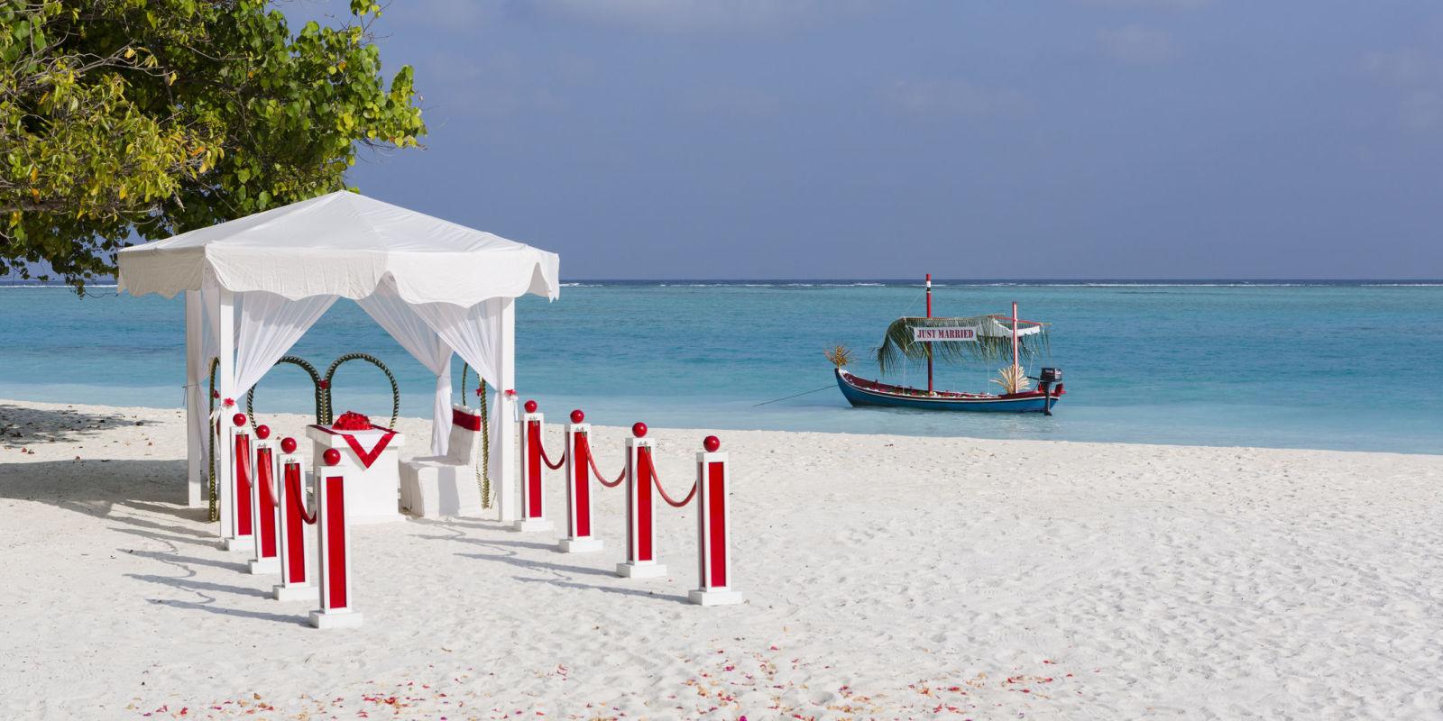 Matrimonio Spiaggia Puglia : Matrimonio in spiaggia idee per organizzare un evento