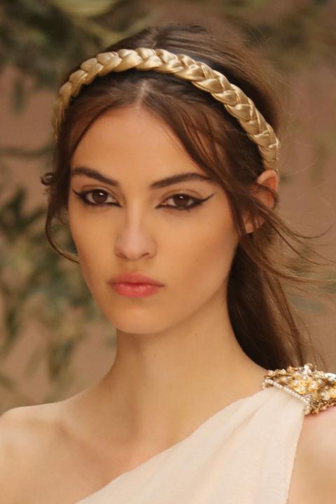 Capelli da dea greca come nella Chanel Cruise