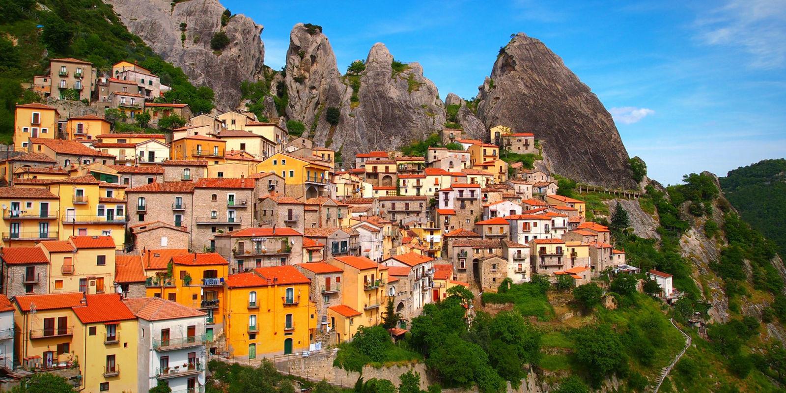 I 10 borghi pi belli d 39 italia dalla sicilia al piemonte for I pavimenti piu belli