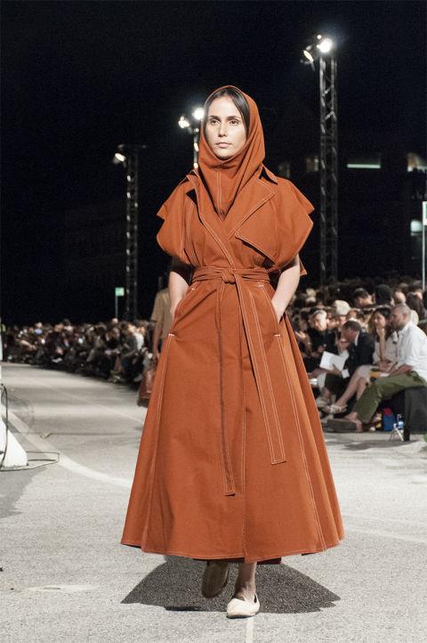 Le sfilate di fine corso delle scuole di moda realizza il for Scuole di design milano